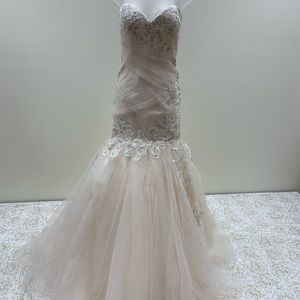 Mary's Bridal Strapless Wedding Dress